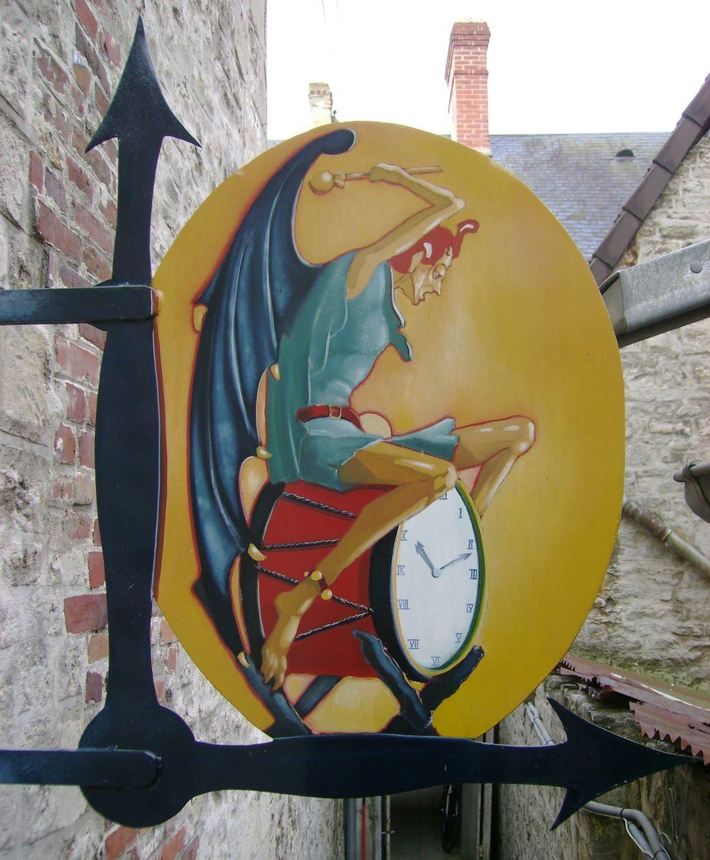 Le Diable au Cadran, Pendulier
