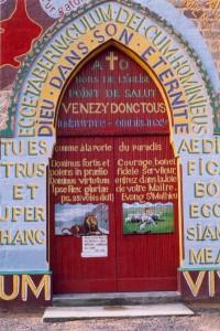 Entrée peint Eglise Menil Gondouin 4